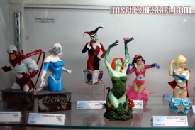 Hawk & Dove, Harley Quinn, Poison Ivy, Star Sapphire & Power Girl busts