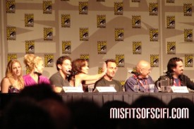 Walking Dead Panel - Sarah Wanye Callies saves Andrew Lincoln from spoilers